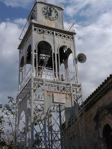 Lefkada città campanile della chiesa Aghia Minà
