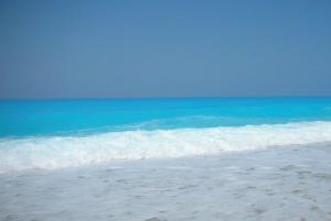 Mare colere pastello dell'isola di Lefkada