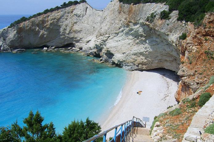 Lefkada, spiaggia di porto katziki con scala