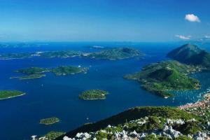 veduta aerea delle isole minori di fronte a Nidrì